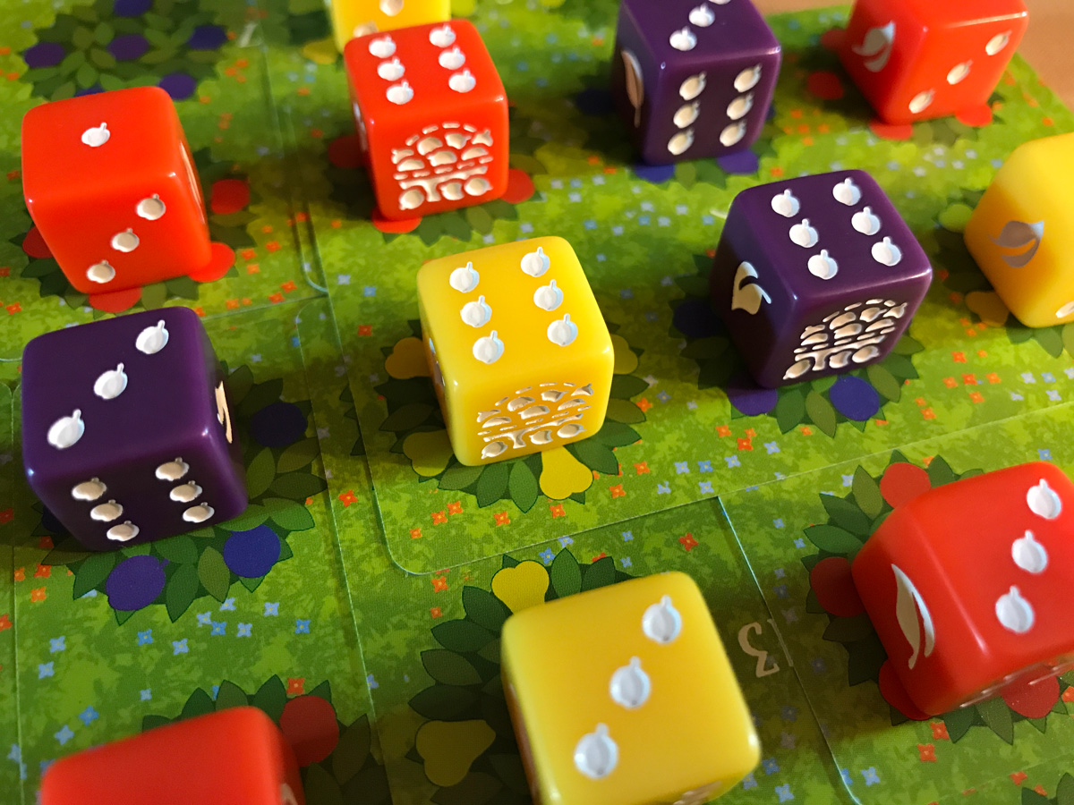 A Lovely Time for Fruit in Orchard: A 9 Card Solitaire Game